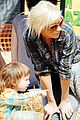 christina aguilera visits a pumpkin patch 21