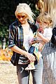 christina aguilera visits a pumpkin patch 27