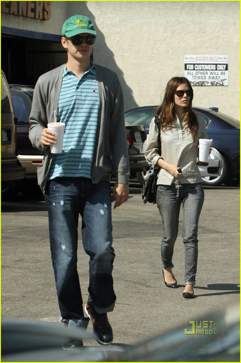 hayden christensen rachel bilson papaya 11
