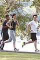 tom cruise katie holmes charles river run 07