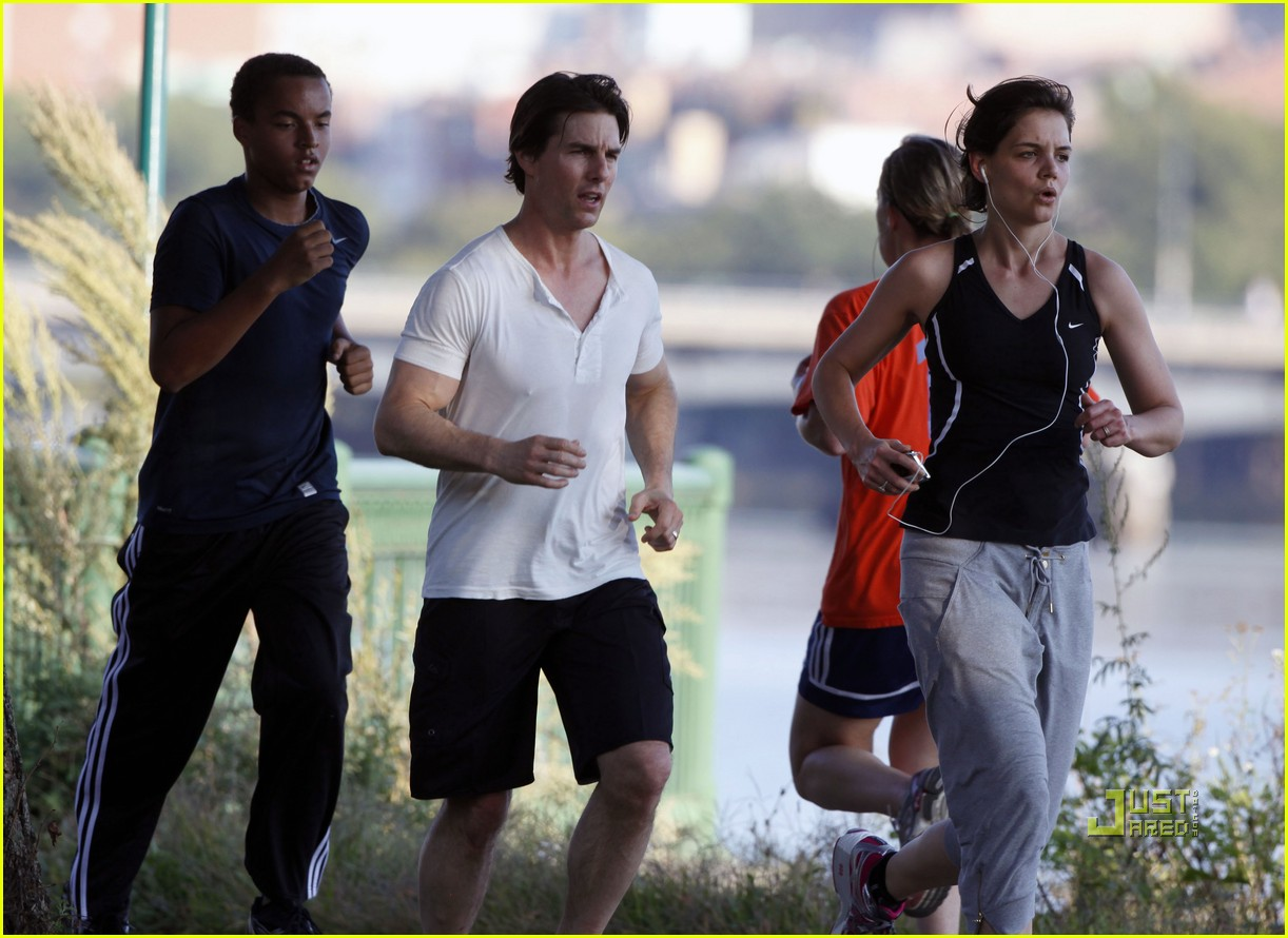 tom cruise katie holmes charles river run 20