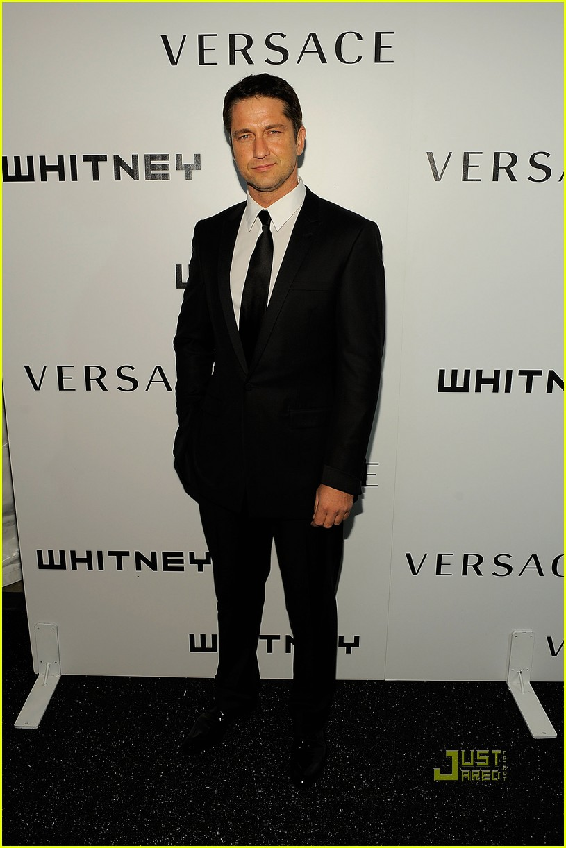 gerard butler whitney studio party 04