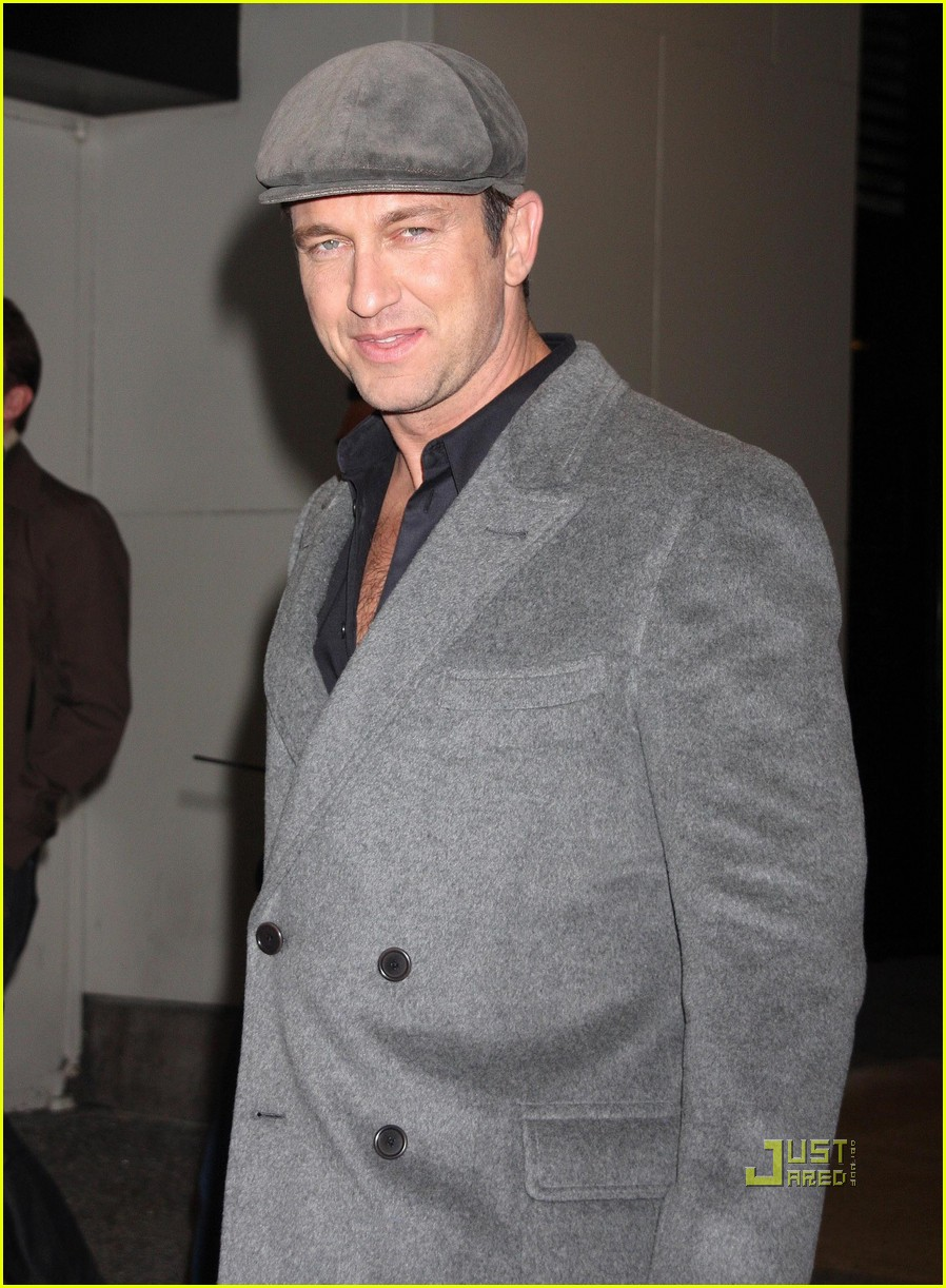 gerard butler whitney studio party 14