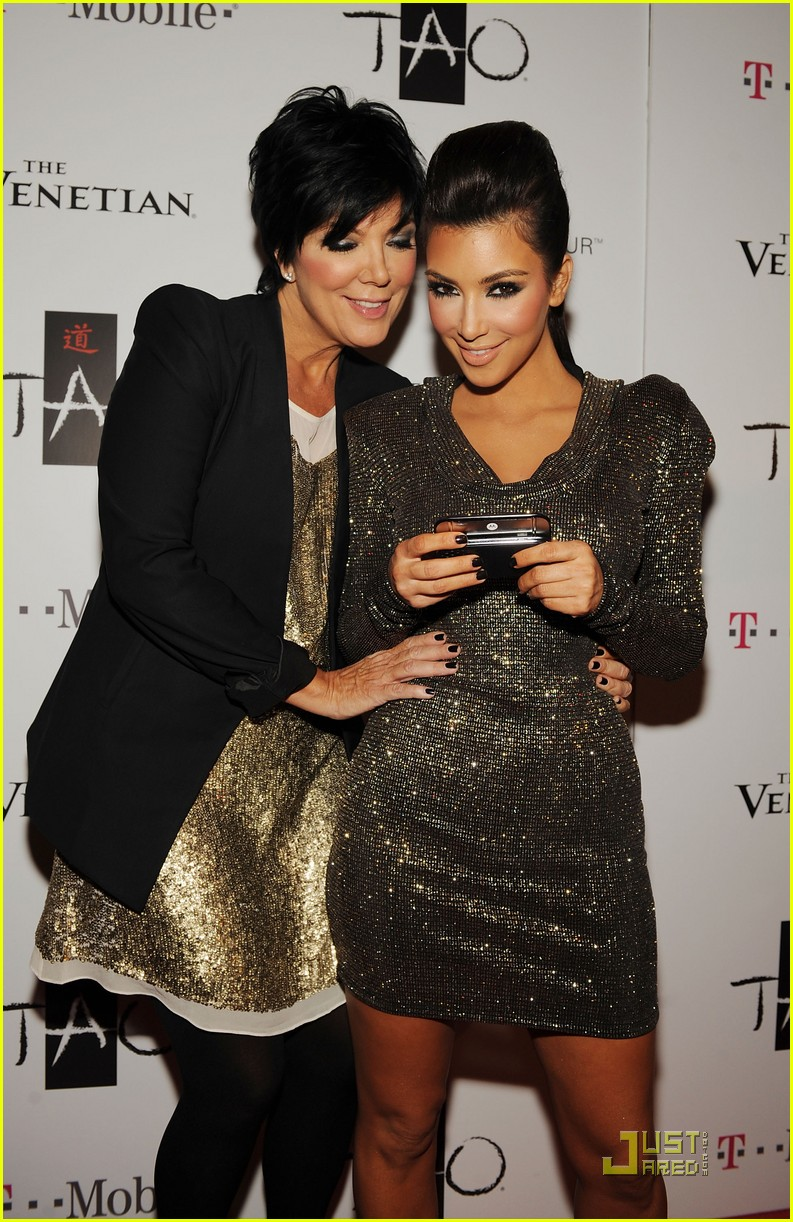Kim Kardashian's Halloween Costume: Princess Jasmine!: Photo ...