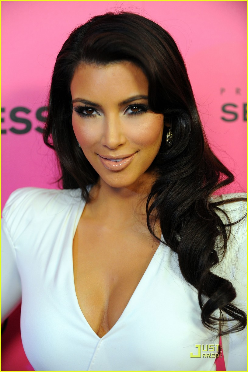kim kardashian 2009 annual hollywood style awards 01