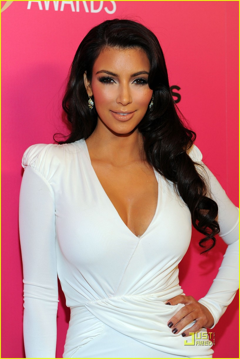 kim kardashian 2009 annual hollywood style awards 14