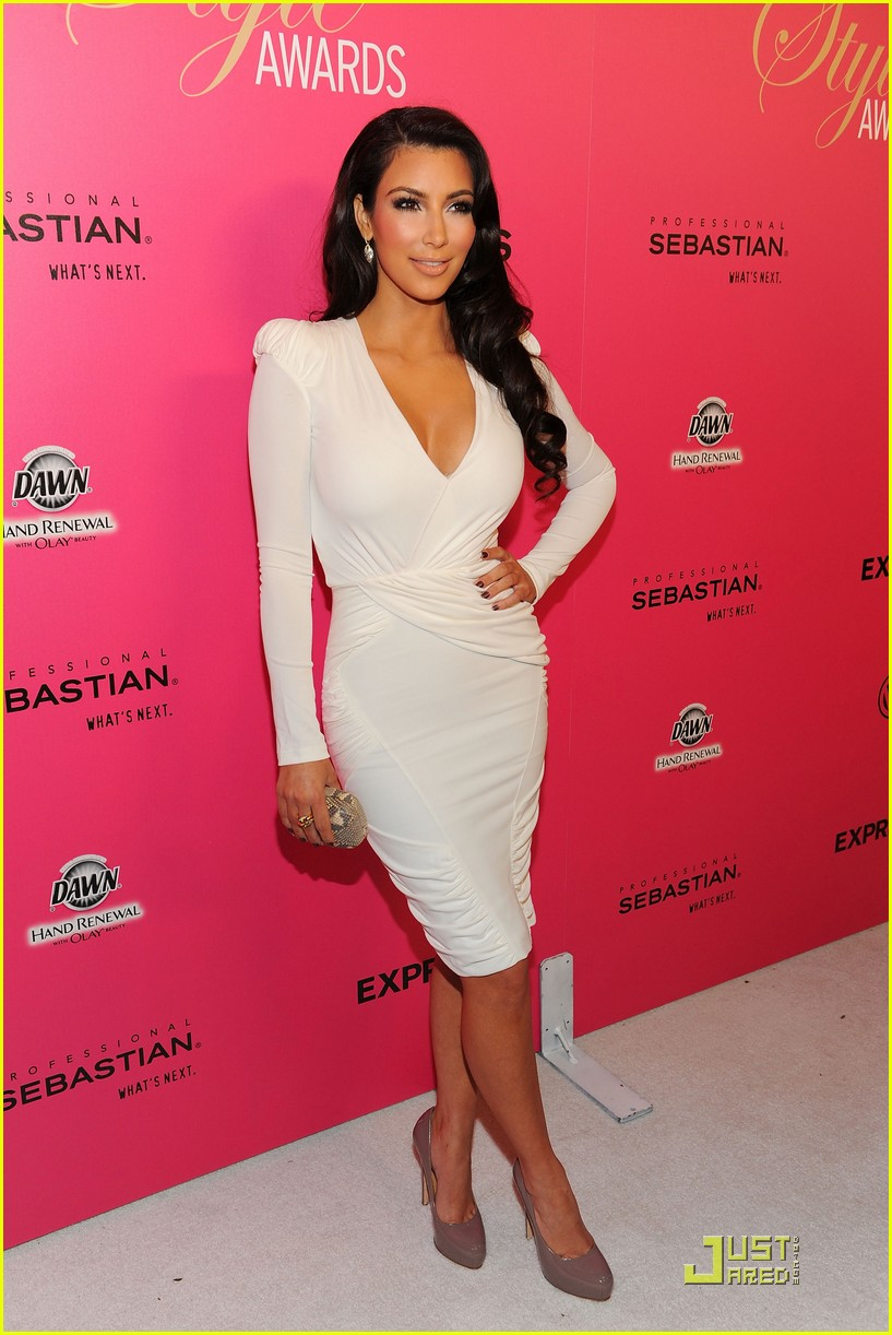 kim kardashian 2009 annual hollywood style awards 17