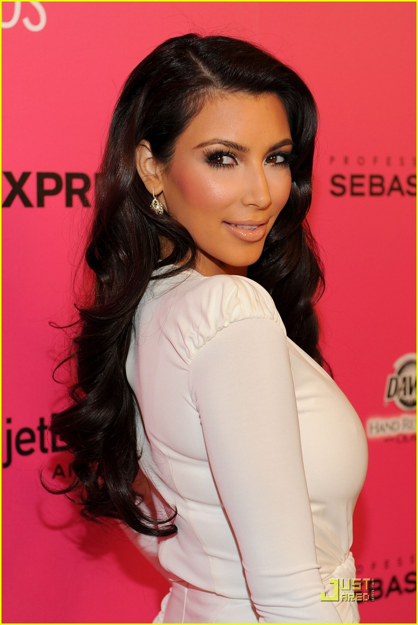 kim kardashian 2009 annual hollywood style awards 22