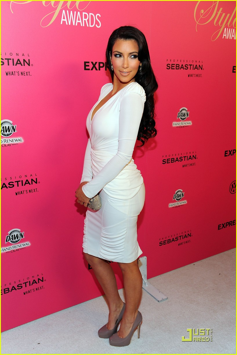 Full Sized Photo Of Kim Kardashian 2009 Annual Hollywood Style Awards 25 Photo 2280971 Just