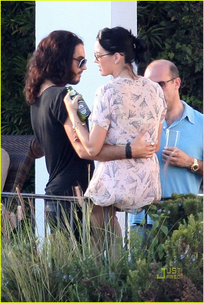 Katy Perry Kissing A Girl Katy-perry-russell-brand- ... Lady Gaga ...
