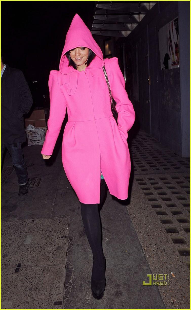 lily allen pink hood coat 01