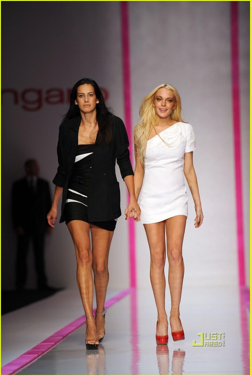 lindsay lohan ungaro fashion show 082262321