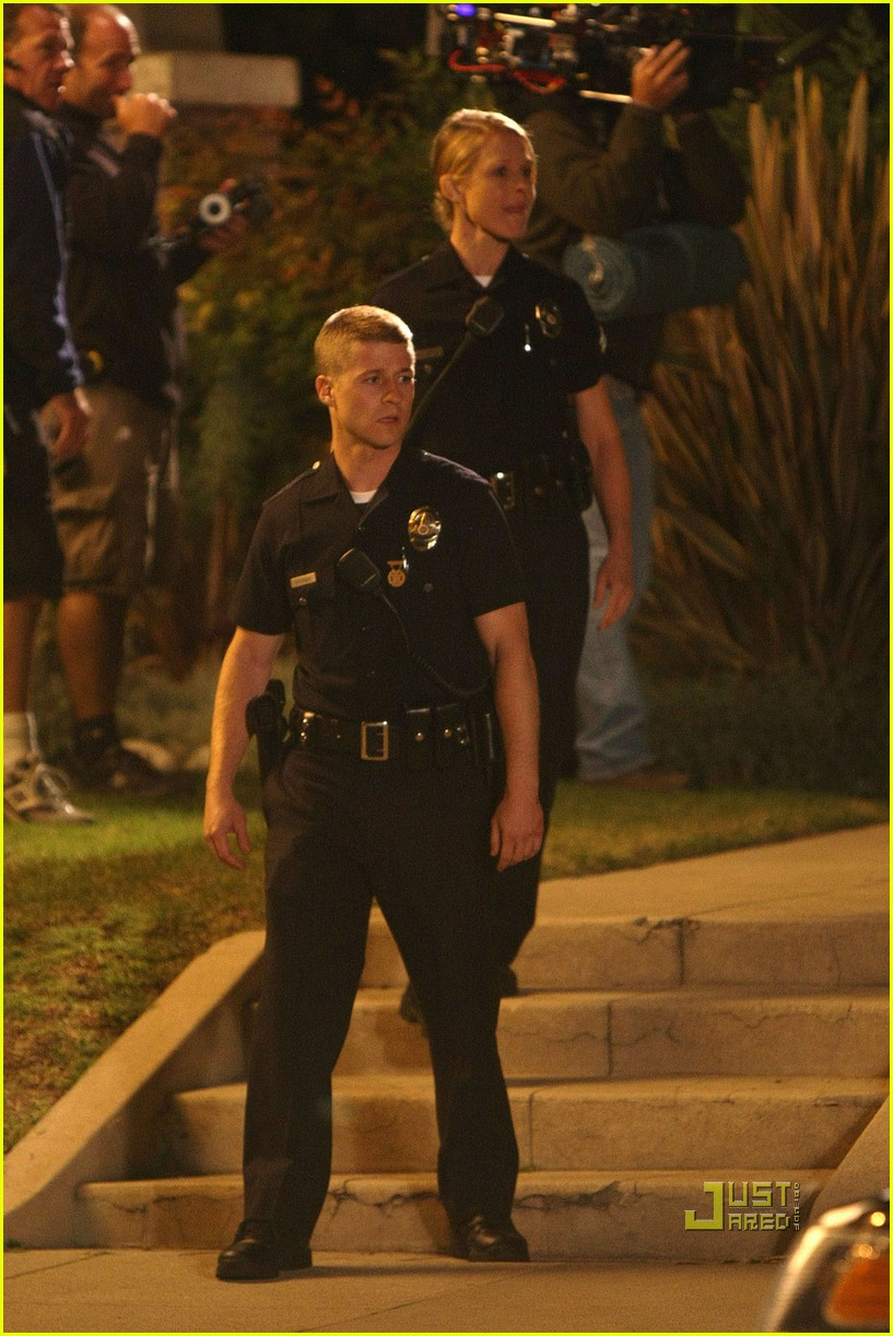 ben mckenzie on the job training lapd 10
