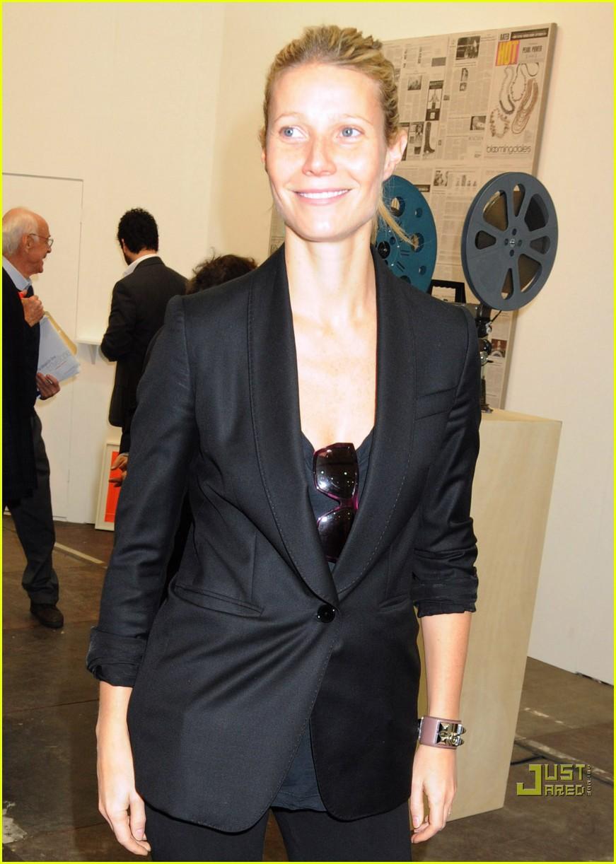 gwyneth paltrow frieze art fair 04