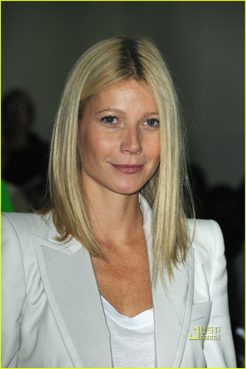 gwyneth paltrow stella mccartney 112265421