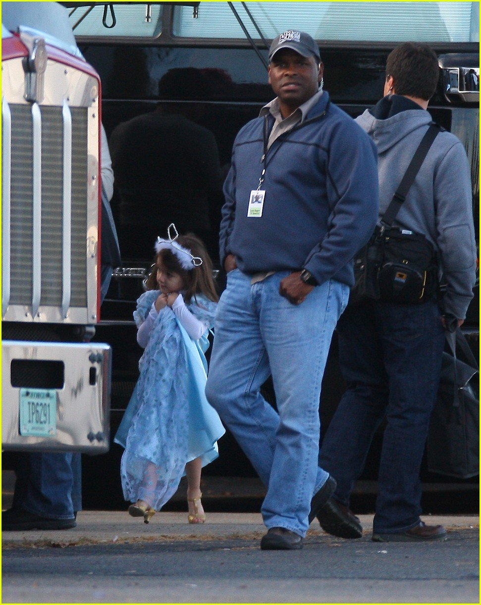 suri cruise high heels halloween 02