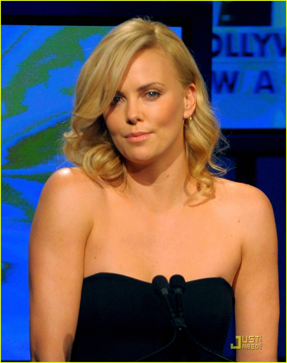 charlize theron 2009 hollywood awards 14