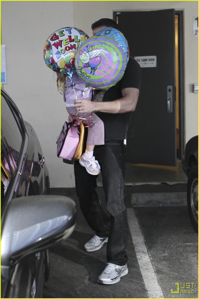 ben affleck violet balloons 06