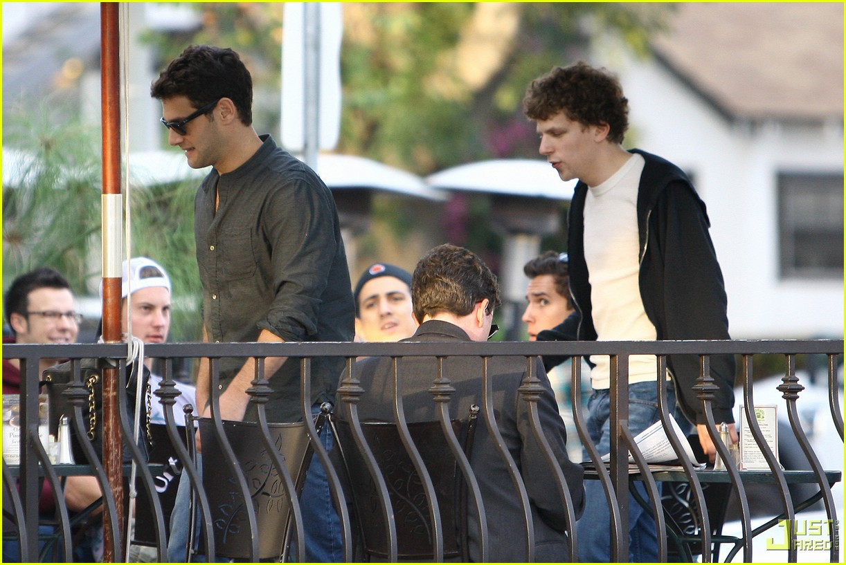jesse eisenberg justin bartha lunch 122339152