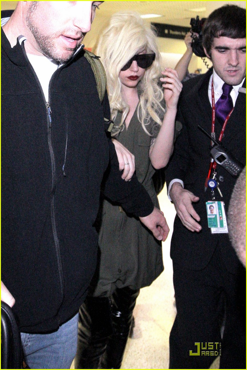 lady gaga lands at lax 092349532