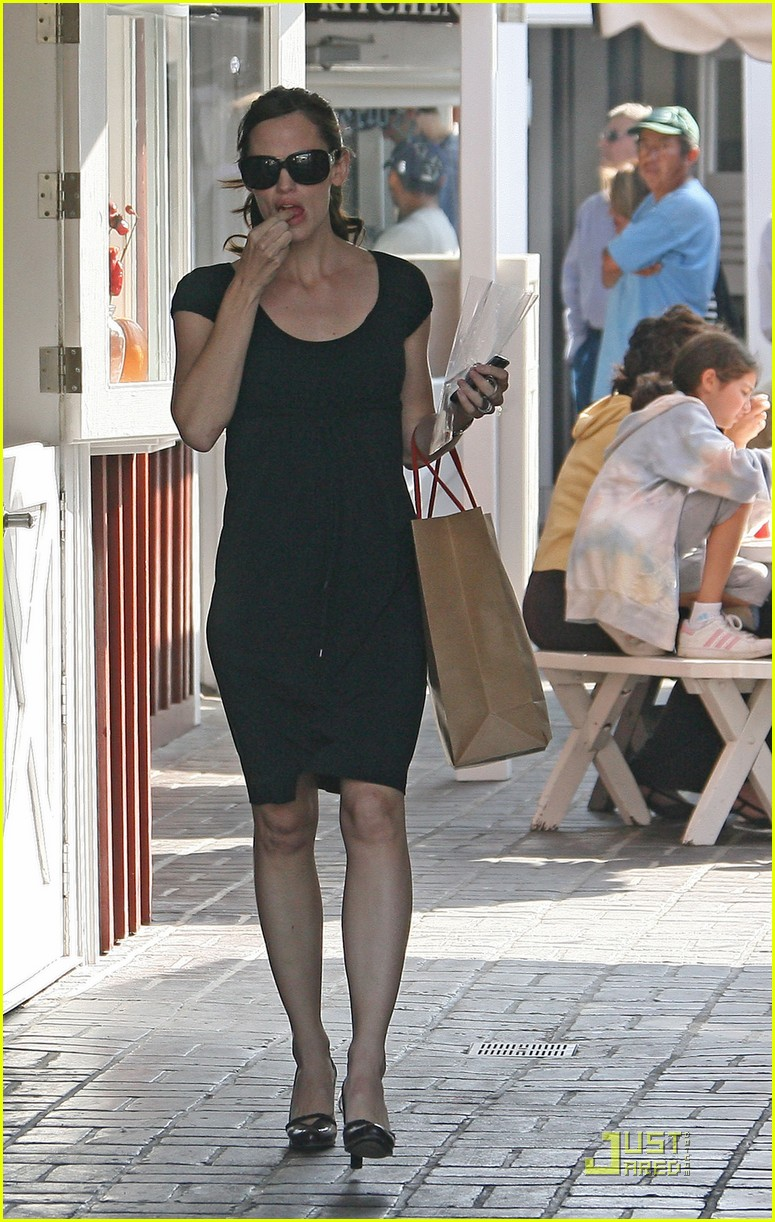 jennifer garner brentwood beautiful 16