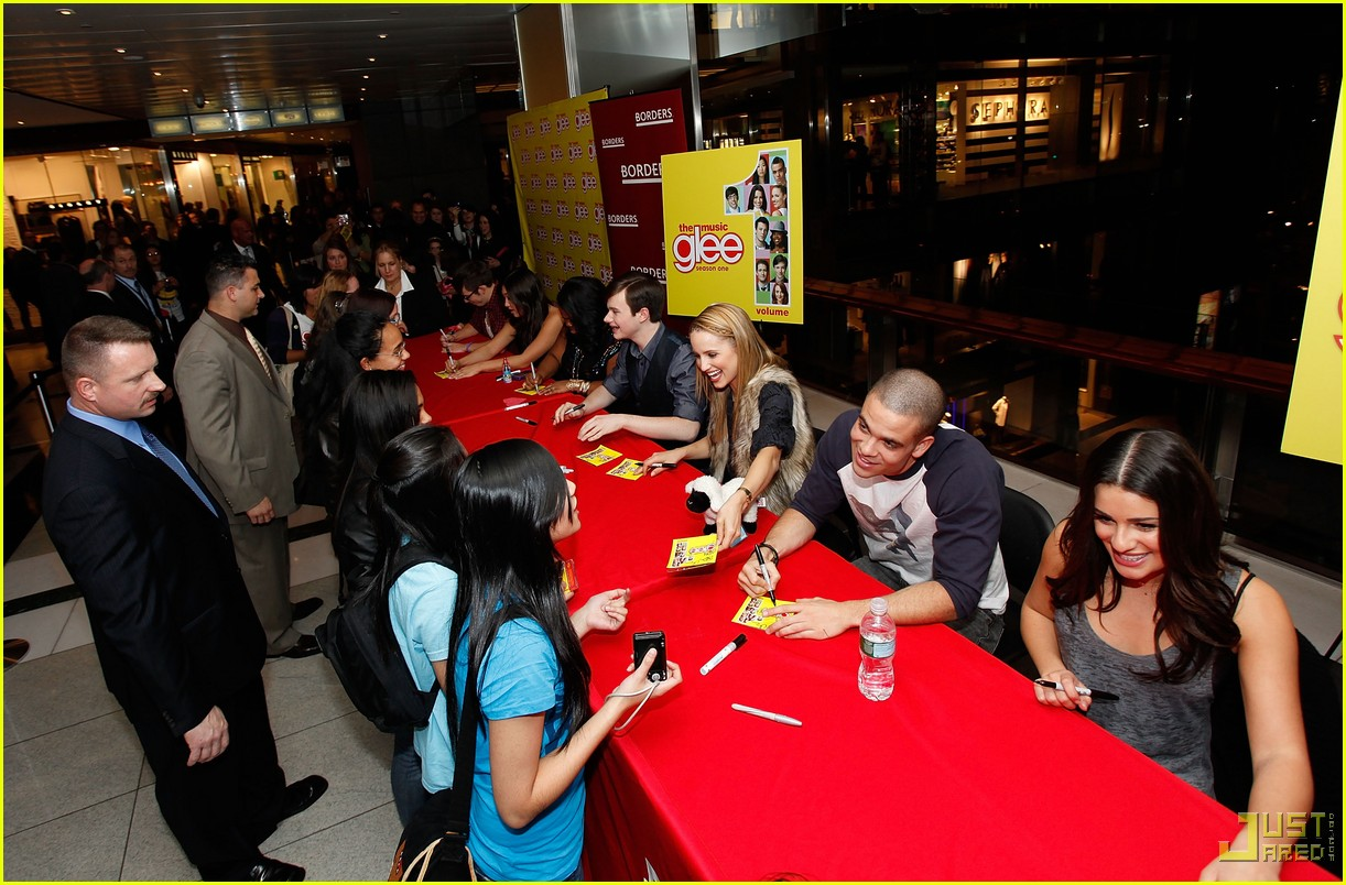 Full Sized Photo of glee cast autograph signings 36 | Photo 2337662 ...