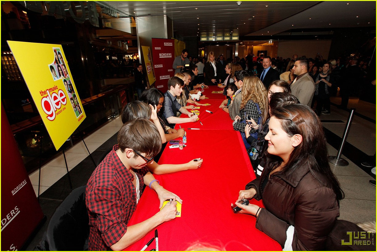 glee cast autograph signings 39
