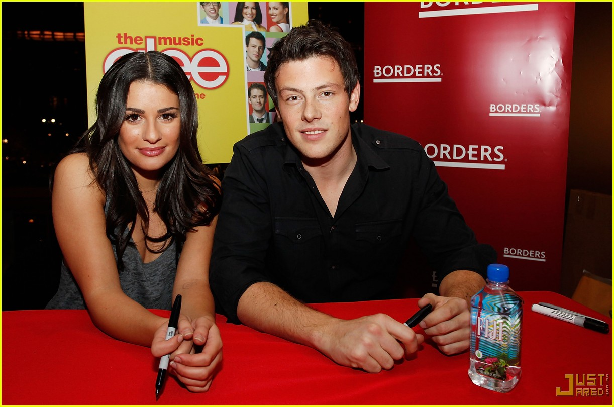 glee cast autograph signings 42