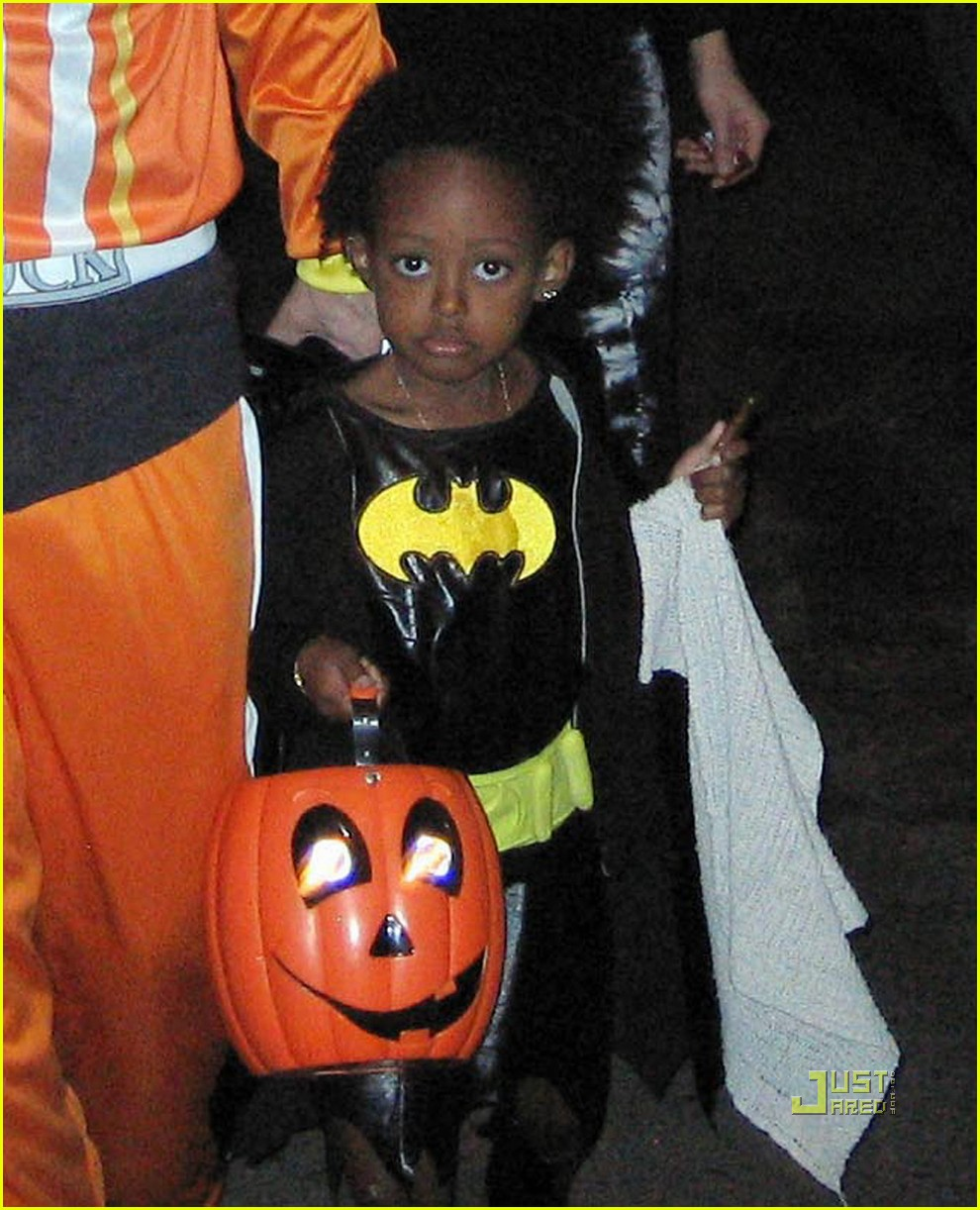 angelina jolie trick of treating 05