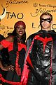 kellan lutz ashley greene halloween hosts 05