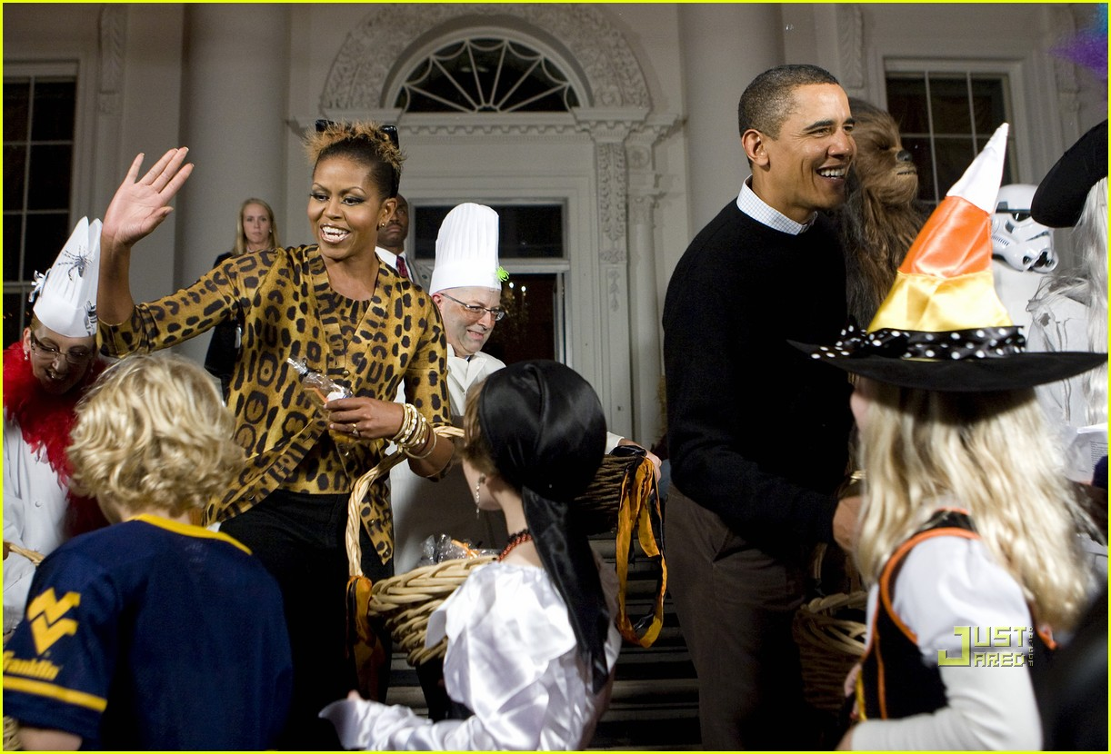 michelle obama trick of treating white house 032326141