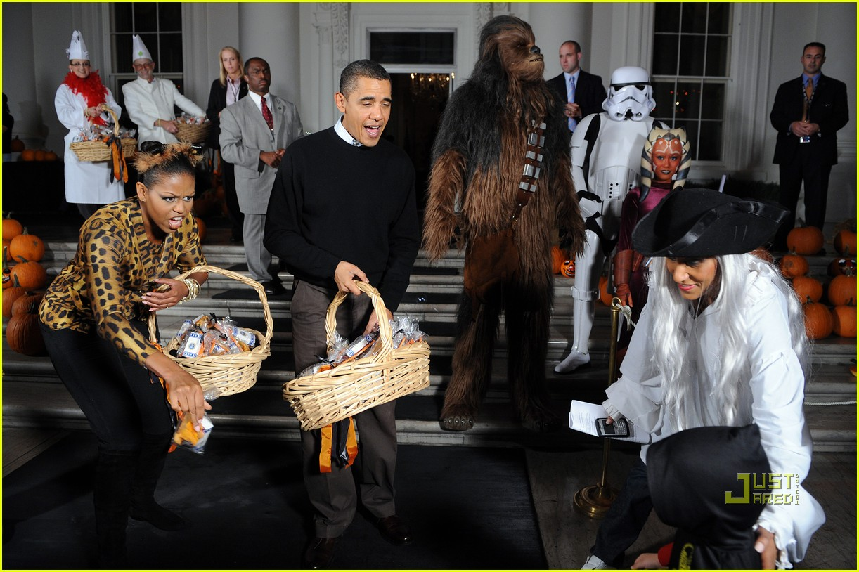 michelle obama trick of treating white house 052326161