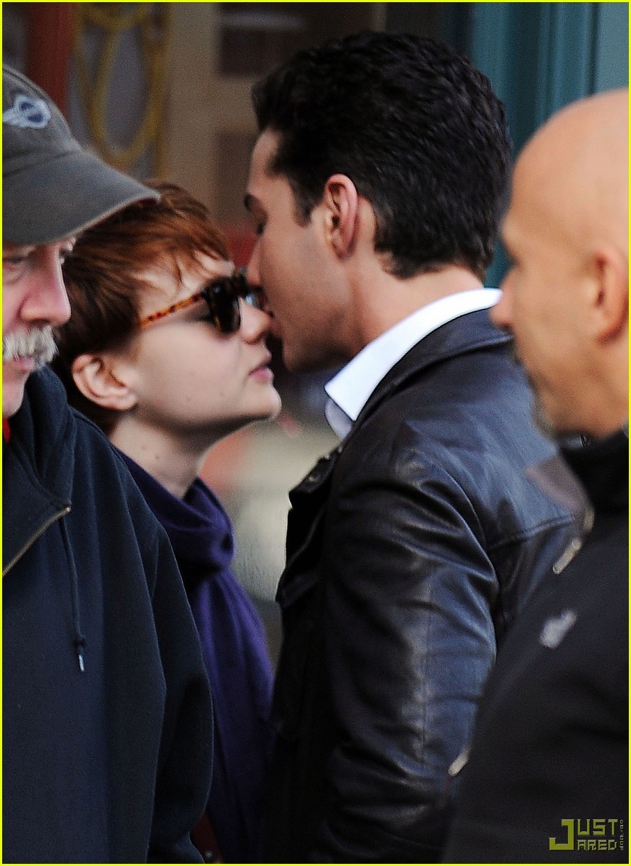 shia labeouf carey mulligan kiss 01