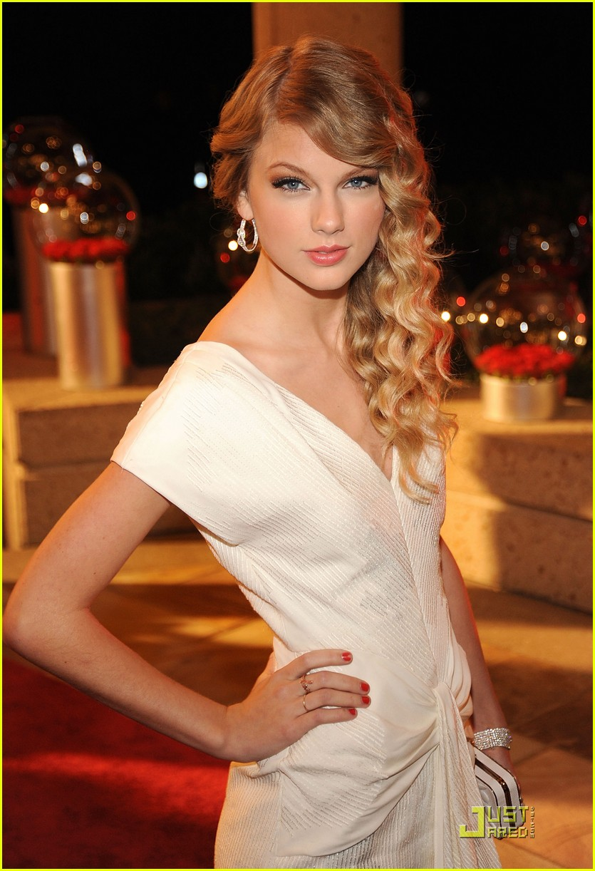 taylor swift wins song of the year 07