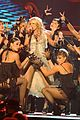 carrie underwood hosts the 2009 cmas 12