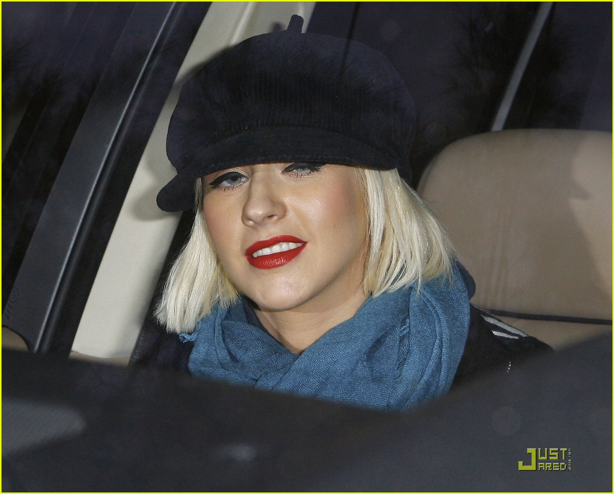 christina aguilera involved in car accident 142403461