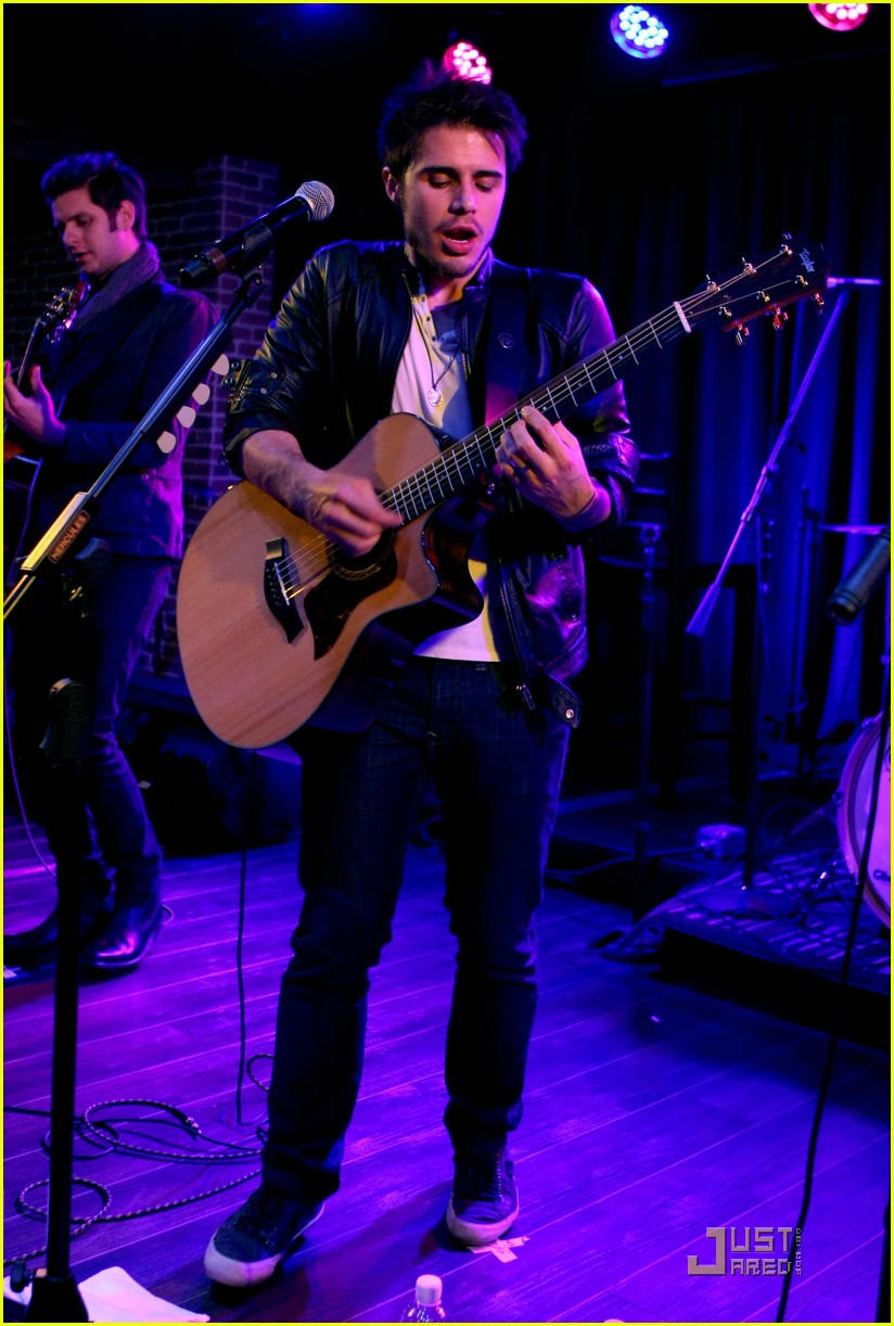 kris allen rocks vegas 14