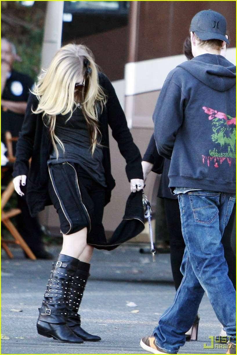 avril lavigne zipper pants 01