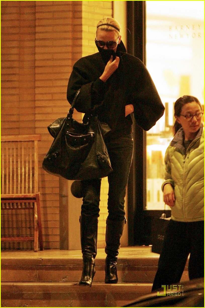 charlize theron gera shopping spree 062404180