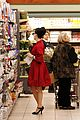 dita von teese gelsons grocery shopping 05