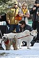 zac efron plays with dogs aspen 10