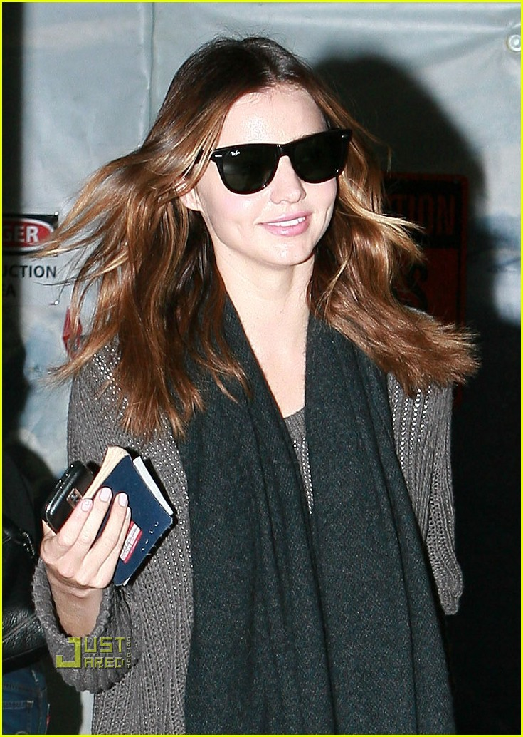 miranda kerr christmas los angeles 02