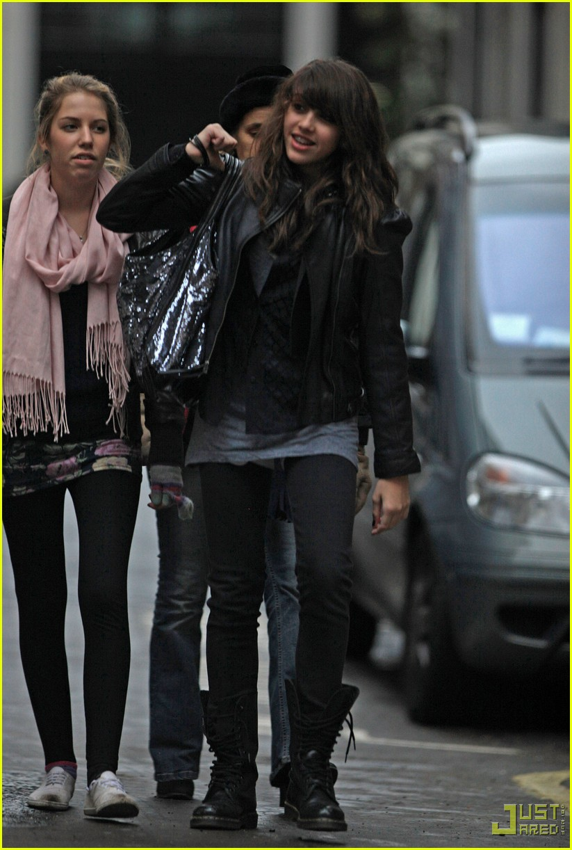 lourdes leon leather jacket boots 06