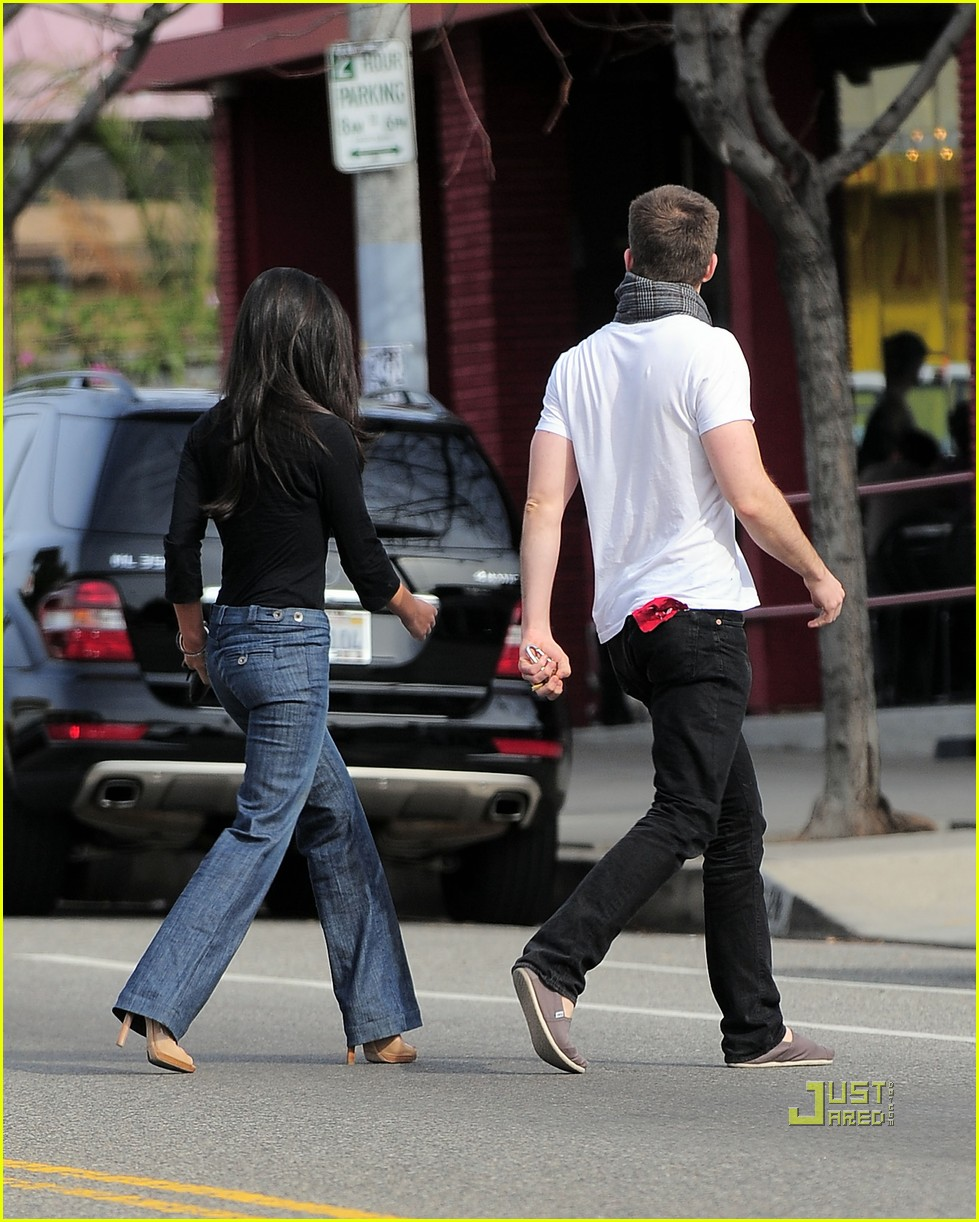 chris pine olivia munn coffee date 02