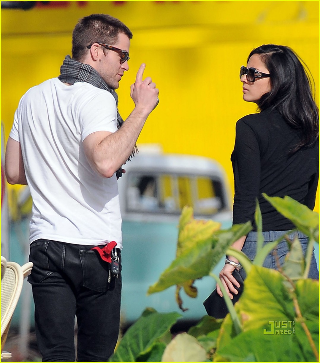 chris pine olivia munn coffee date 04