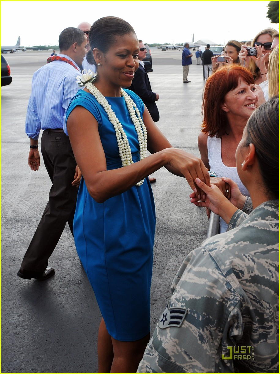 michelle obama hawaii 012404742