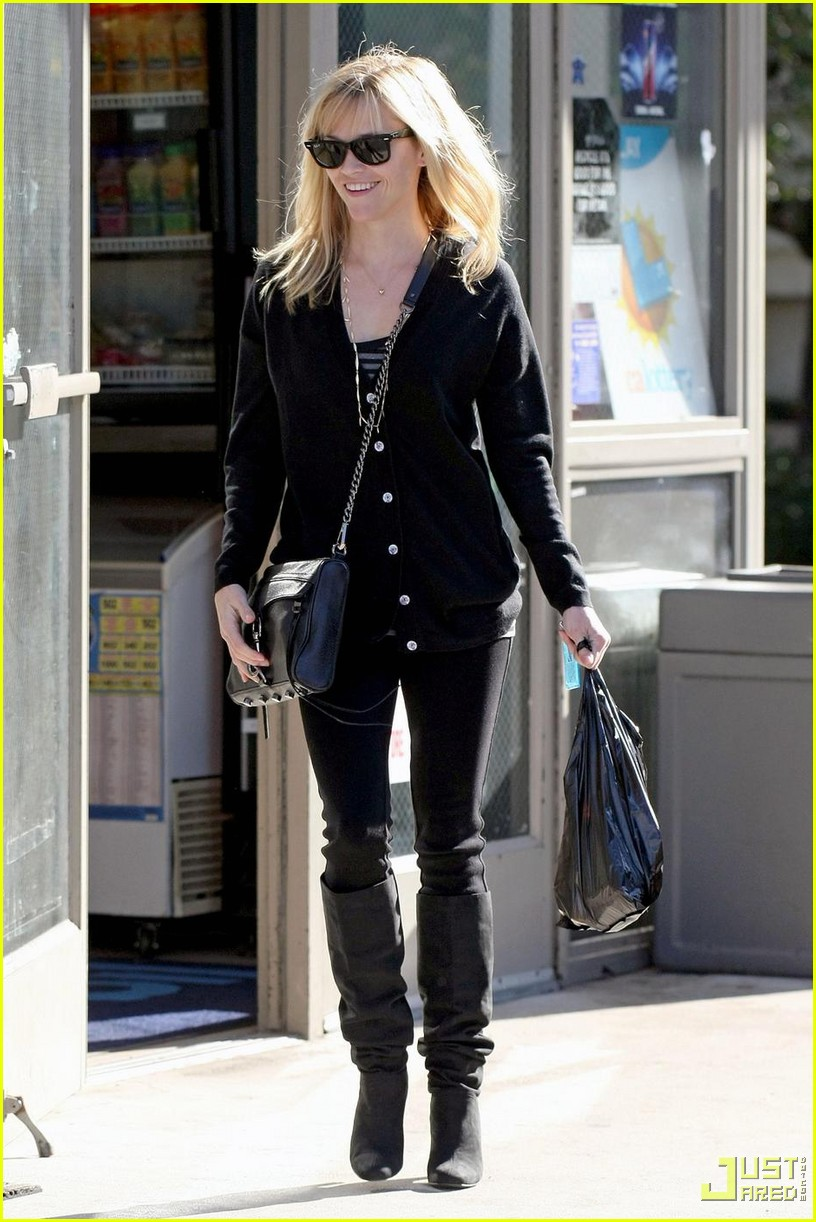 reese witherspoon convenience store 102400999