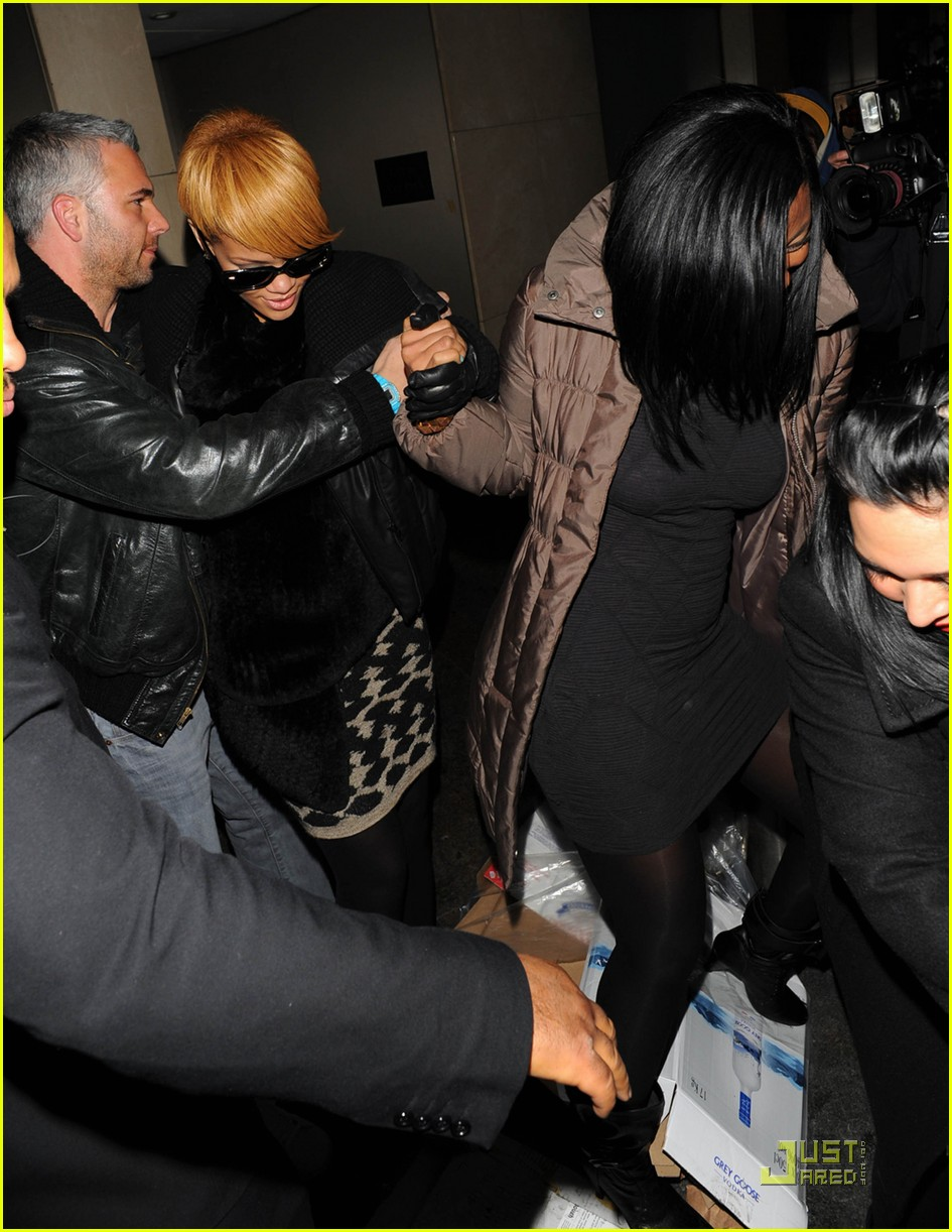rihanna whisks into whisky 04