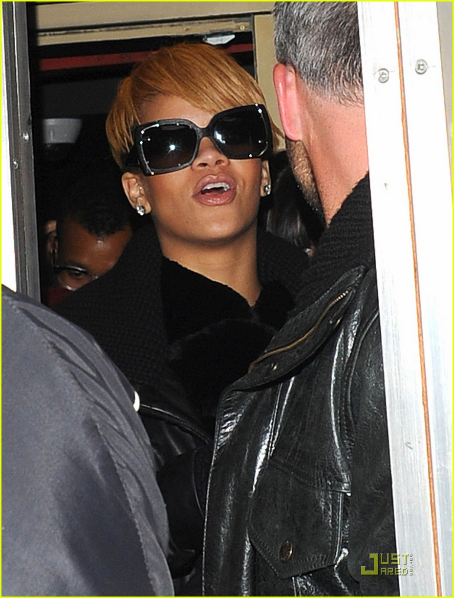 rihanna whisks into whisky 05