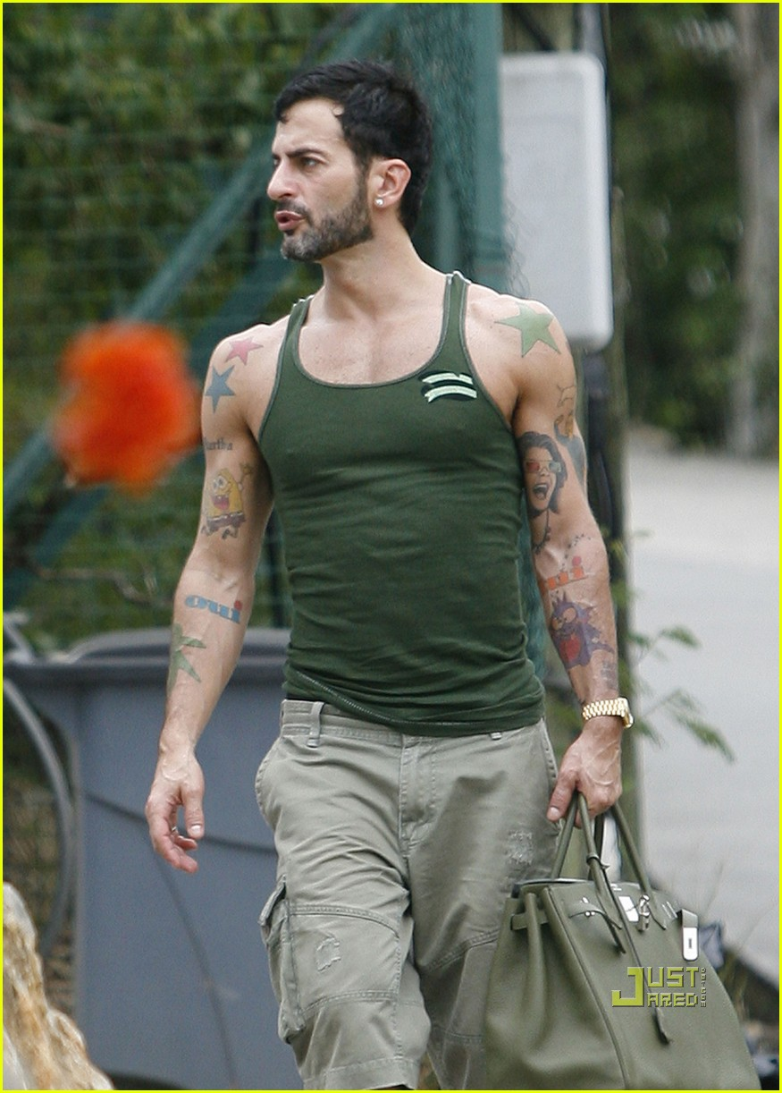 Full Sized Photo of marc jacobs shirtless christmas eve 02 ...